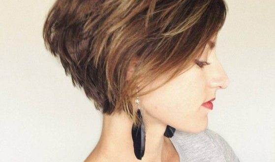 Layered Short Haircut Seitenansicht Frauen Frisuren Fur Kurze