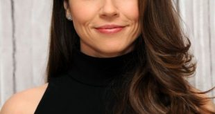 Soft Definition - Lockere Locken an Linda Cardellini.